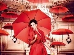 Penelope Cruz spulbera superstitiile din 2013 in calendarul Campari! Iat-o in 13 fotografii superbe!