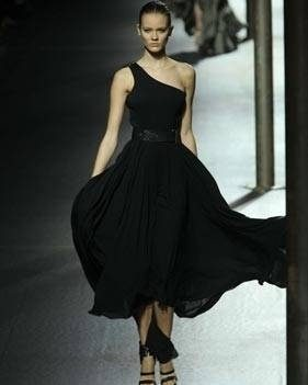 Little black dress PV 2011